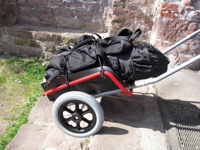 rucksackwagen pilgerwagen 12 zoll rad wanderanhaenger. Black Bedroom Furniture Sets. Home Design Ideas